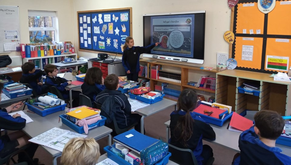 Windrush Valley Private School Oxfordshire Installs Cutting Edge Smartboard Technology